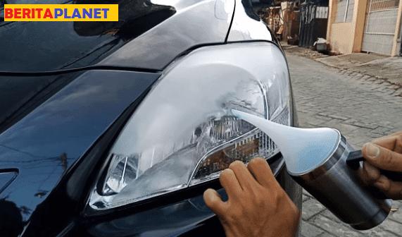 Cara mengatasi Lampu Mobil berembun dan buram